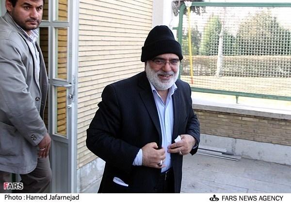 وزیر دادگستری با کلاه بافتنی + تصویر