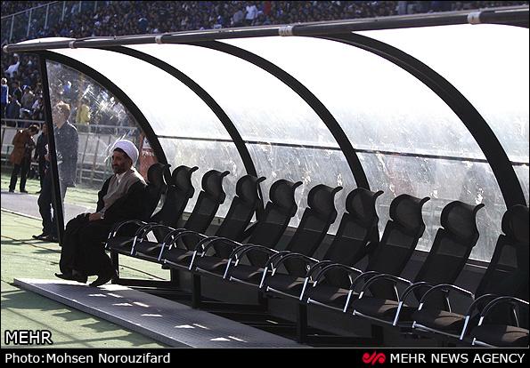 روحانیون در ورزشگاه ازادی و دربی 76 + تصاویر