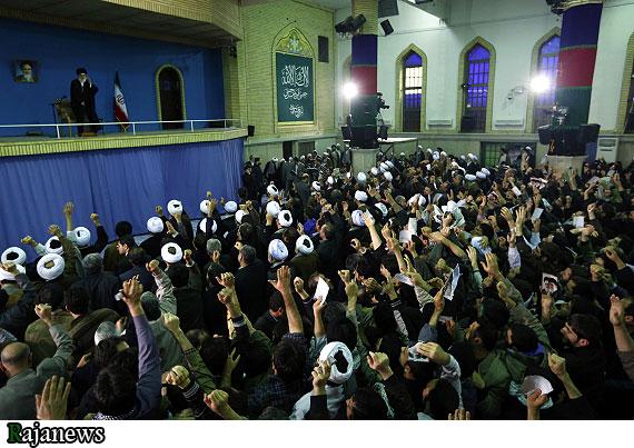 دیدار گرم رهبر انقلاب با مردم قم + تصاویر