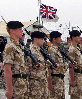 انگلستان 5000 هزار نیروی خود را اخراج خواهد کرد