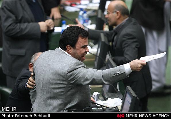 داد و فریاد نمایندگان در جلسه امروز مجلس + تصاویر