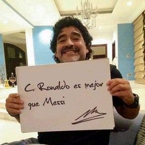 مارادونا : رونالدو بهتر از مسی است