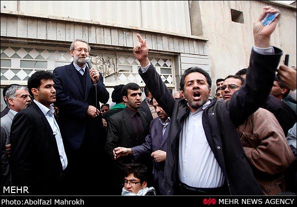 استقبال مردمی از علی لاریجانی در قم + عکس