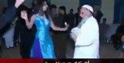 رسوایی اخلاقی شیخ سلفی و رقصش با زن رقاصه/عکس