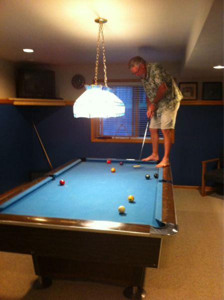 بازی گلف در زمین بیلیارد!+عکس