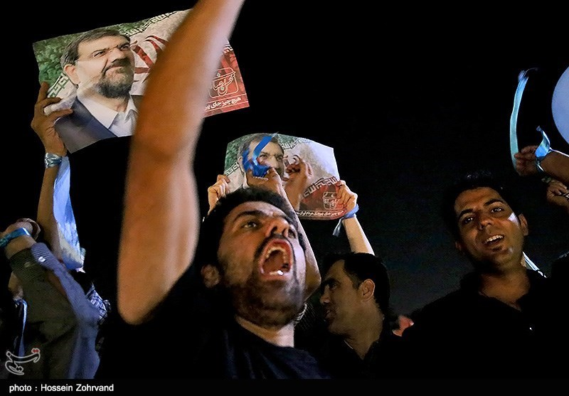 طرفدار متعصب محسن رضایی در تجمع تبلیغاتی هواداران+عکس