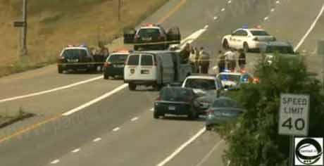 خودکشی دختر 20 ساله در ماشین پلیس/عکس
