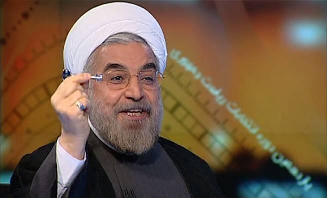 کلید حل مشکلات در دستان حسن روحانی در برنامه زنده + عکس