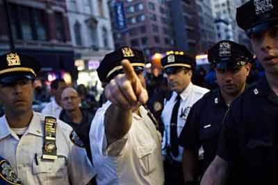 رسوایی و دستگیری آقای رئیس پلیس!