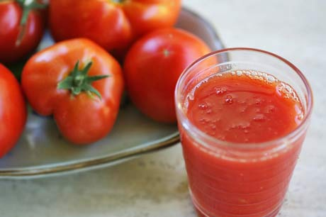 فوائد آب گوجه فرنگی