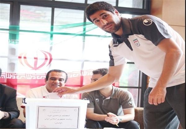 بازیکنان تیم ملی فوتبال هم رای دادند + تصاویر
