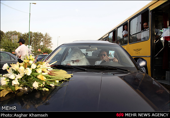 تبلیغات انتخاباتی با ماشین عروس!+عکس