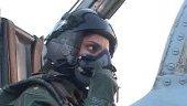 اولین خلبان جنگده ی دختر!+عکس