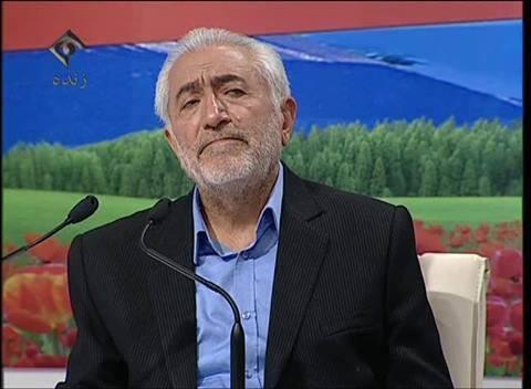 ژست معروف غرضی در دومین مناظره نامزدهای ریاست جمهوری/عکس