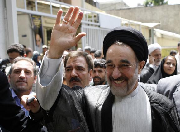 محمد خاتمی : به حسن روحانی رای خواهم داد