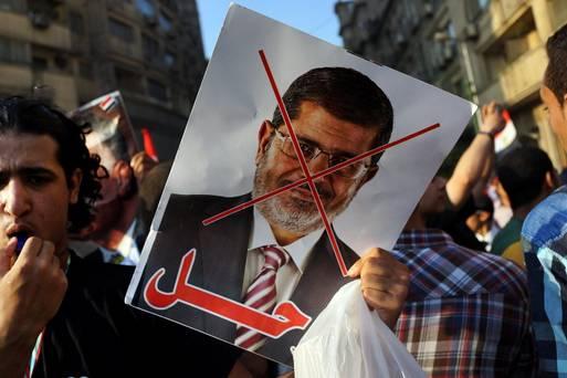 ویدئو لحظه دستگیری محمد مرسی/فیلم