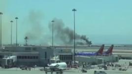 بوئینگ ۷۷۷ کره جنوبی در فرودگاه ایالات متحده دچار آتش سوزی شد + عکس و فیلم