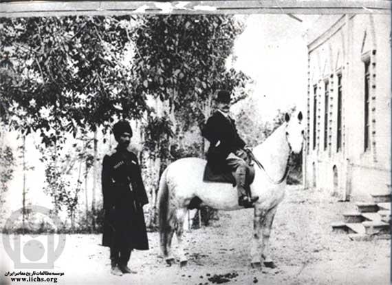 تصویر دیده نشده از رضا شاه پهلوی وقتی محافظ شخصی بود