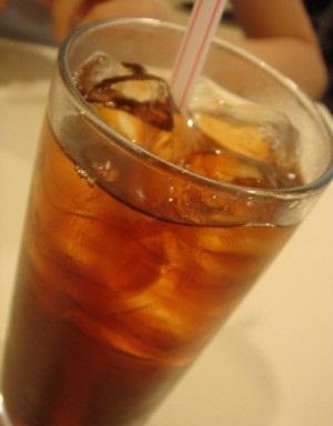 طرز تهیه نوشیدنی رژیمی برای سفره افطار