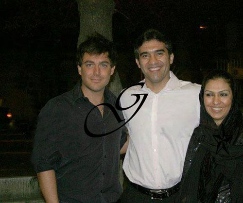 احمدرضا عابدزاده و همسرش در کنار محمدرضا گلزار/عکس