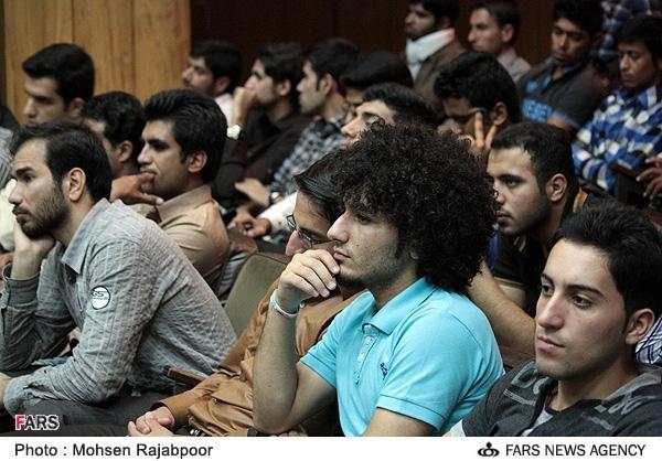 گزارش کامل از حضور دکتر حسن عباسی دانشگاه شهید باهنر کرمان
