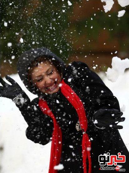 برف بازی کردن نیوشا ضیغمی و شوهرش/تصاویر