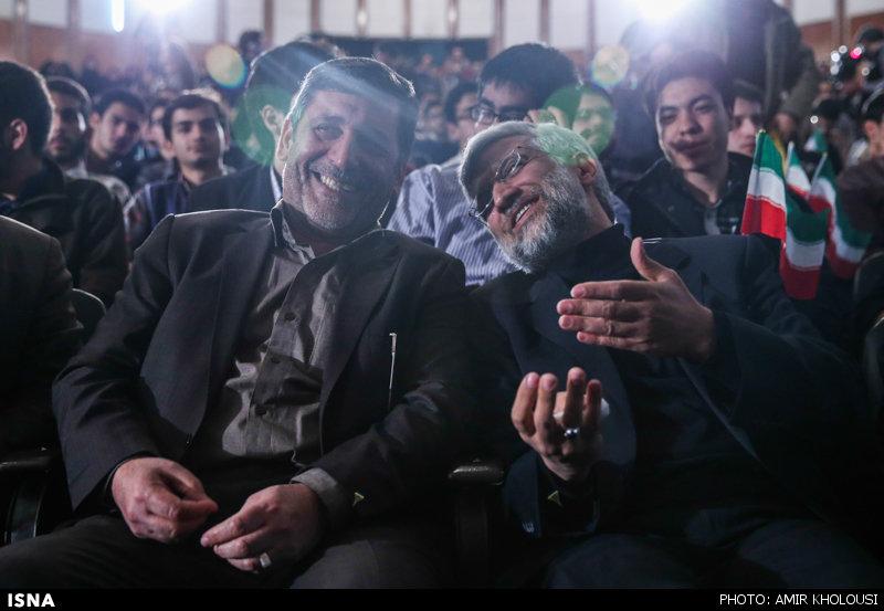 عکس | لبخند دکتر جلیلی در سالن دانشگاه تهران