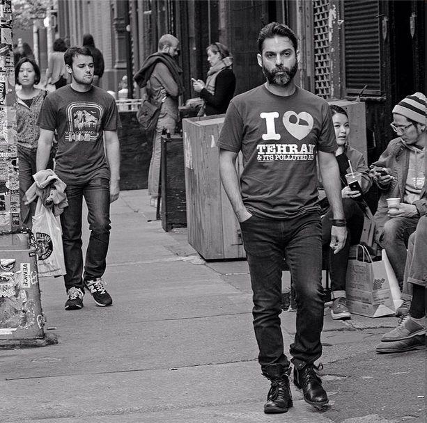 عکس|پیمان معادی پیراهنی با نقش تهران در نیویورک پوشید