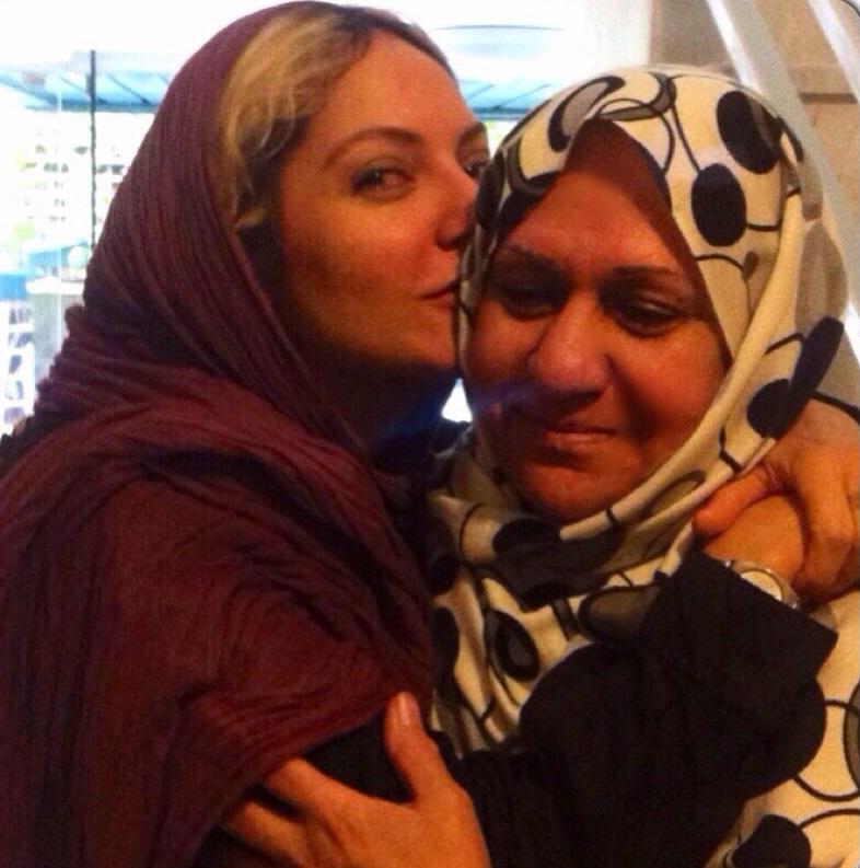 مهناز افشار و مادر محجبه اش + عکس