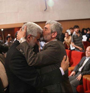 وقتی احمدی روشن پیشانی سعید جلیلی را بوسید + عکس