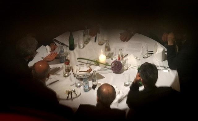عکسبرداری مخفیانه از میز شام ظریف در وین + عكس