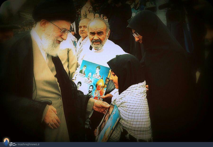 توجه رهبر انقلاب به تصویر شهید خلیلی + عکس