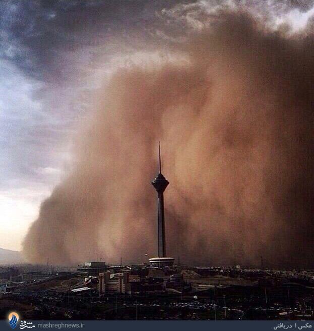عکس  هجوم طوفان به برج میلاد