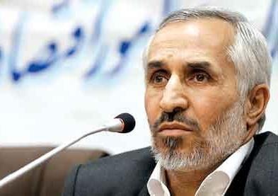 داود احمدی نژاد خبر داد: بالاخره دیروز برادرم محمود،مشایی و بقایی را دور ریخت