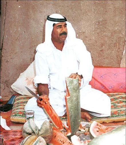 هندوانه خوردن صدام + عکس