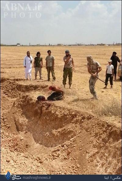چگونگی گردن زدن داعشی ها+عکس