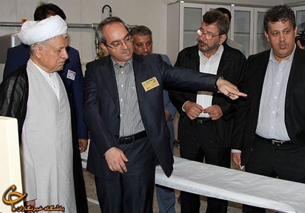 مهدی و یاسر هاشمی در کنار بابا در مشهد + عکس