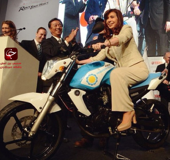 خانم رئیس جمهور سوار بر موتور سیکلت+عکس