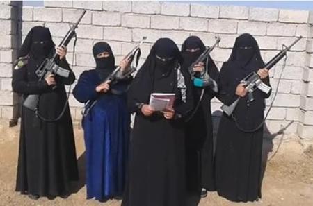 پلیس ویژه داعش به نام خنساء+تصاویر