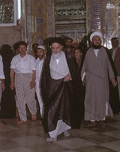 امام خمینی در حرم امیر المومنین+عکس