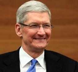 بازدید رئیس اپل از خط تولید چینی آیفون ۶