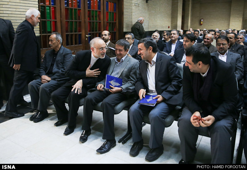 احمدی نژاد در مراسم ختم مادر رحیمی+عکس