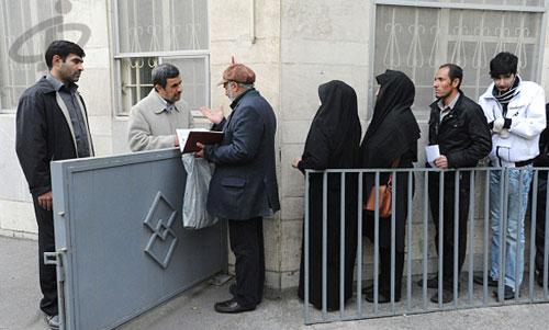 صف دیدار مردمی با محمود احمدی نژاد +تصاویر
