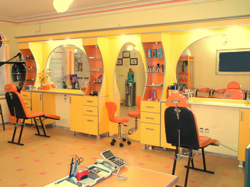 از کوتاه کردن مو تا ماساژهای 250 هزار تومانی در آرایشگاه های تهران