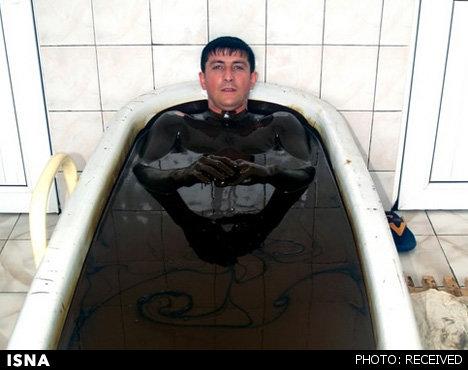 حمام با نفت خام+عکس