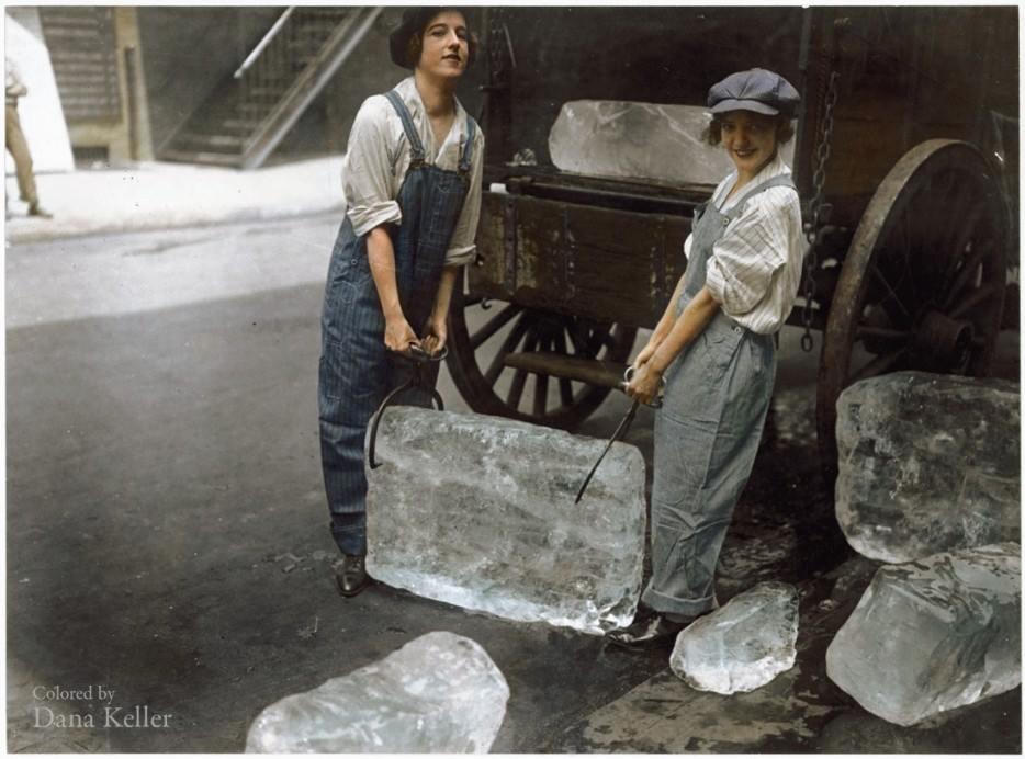 عکس/دختران یخ فروش آمریکایی در سال 1918