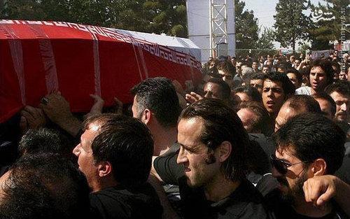علی کریمی در تشییع مرتضی پاشایی+عکس