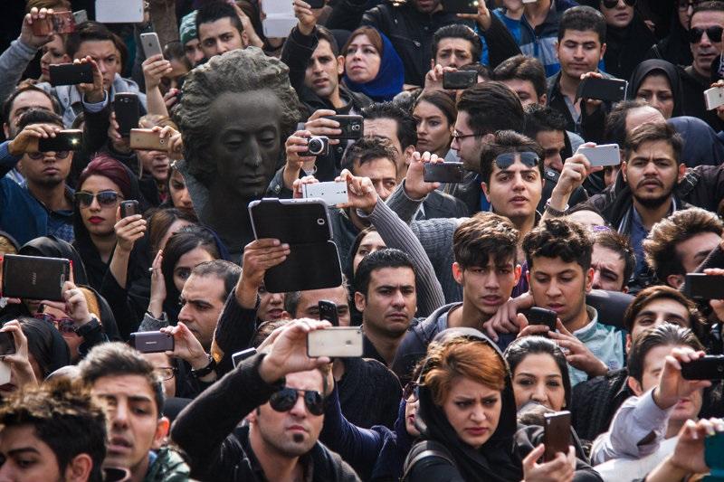 تصویر جالب از تشییع جنازه مرتضی پاشایی/نظر شما چیست؟