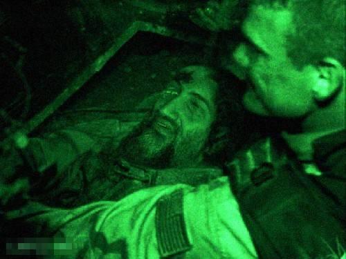 قاتل اسامه بن لادن خودش را لو داد + عکس