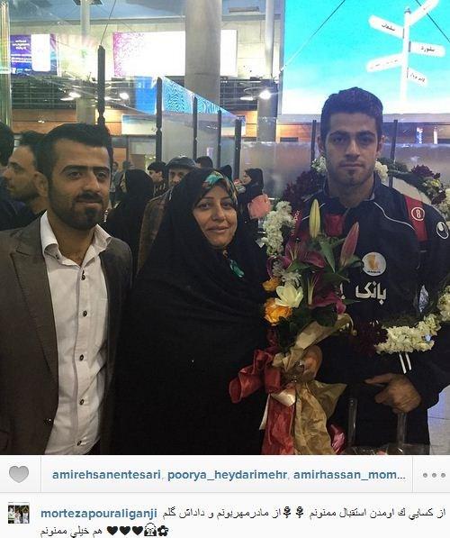 پورعلی گنجی در کنار مادر و برادرش +عکس
